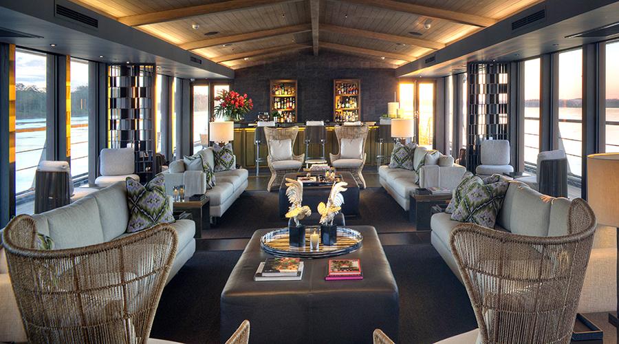 Aqua Nera Indoor Lounge